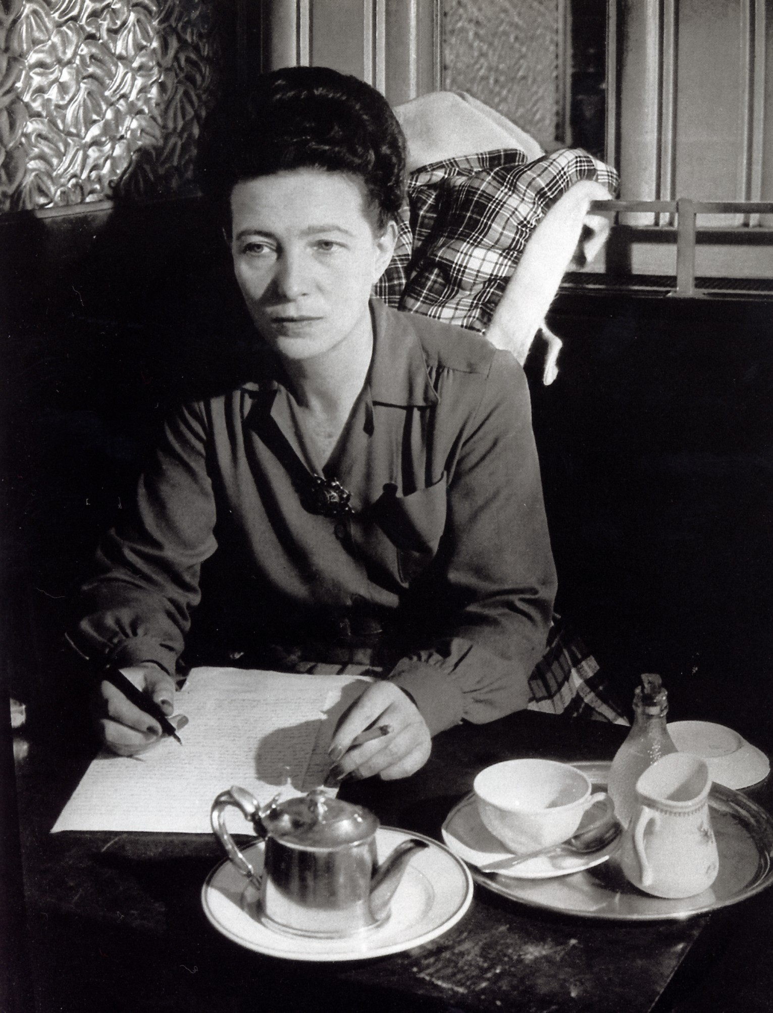 simone de beauvoir_loukini18